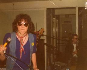 dangerous-bros-1977